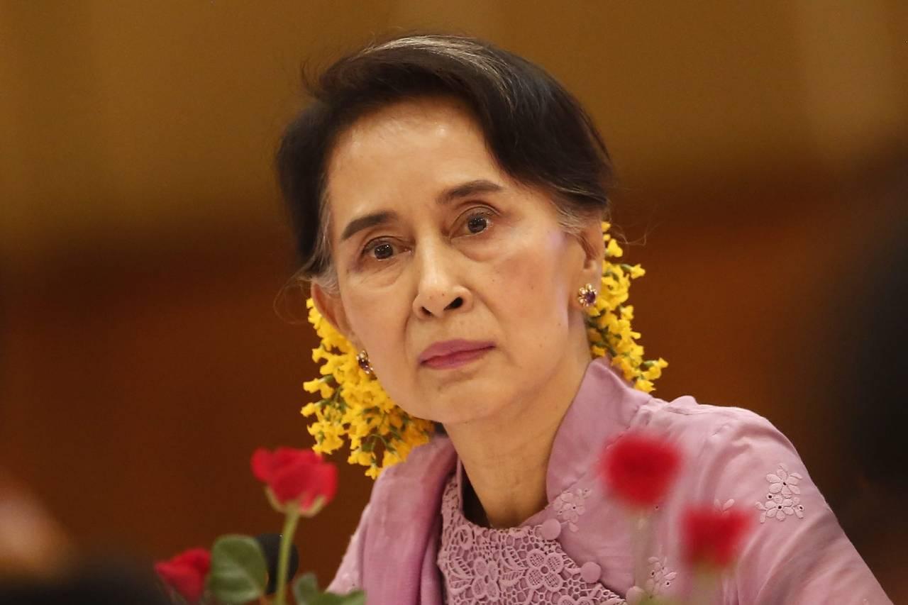 Kaladan-Press-Network-After-Aung-San-Su-Kyi-visits-Maungdaw-one-village-burn-down