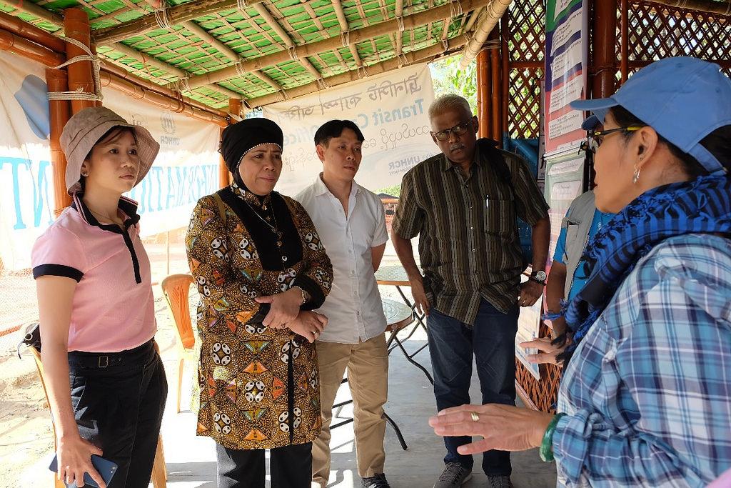 ASEAN-delegation-refugee-camp